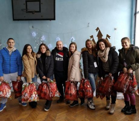 Коледна благотворителна акция на Градски ученически парламент