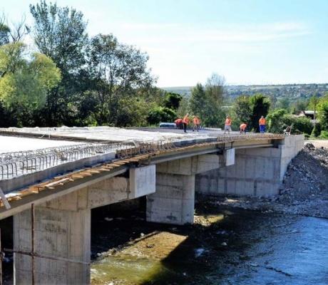Строителството на новия мост между Велико Търново и Шемшево е на финален етап