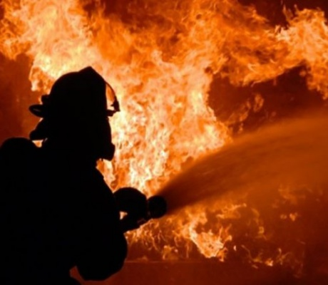 Овладяха пожара на старото сметище край Шереметя/ВИДЕО/